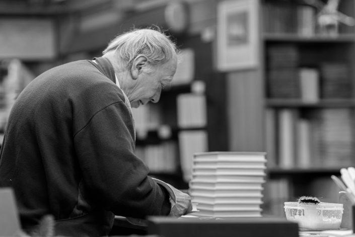 Book binder in Venice
