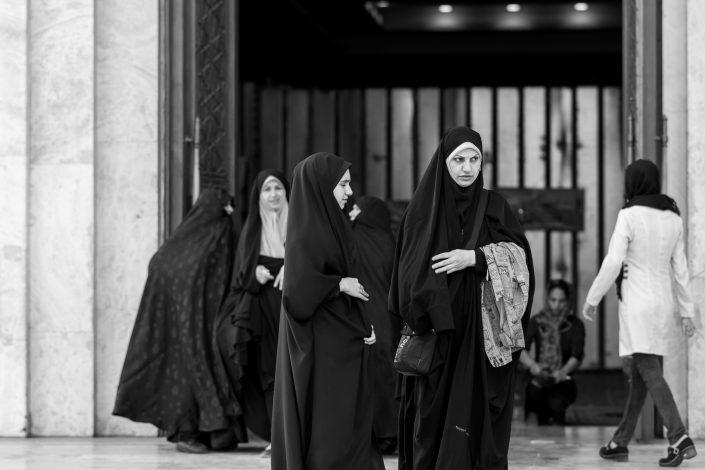 Women outside Imam Khomeini shrine