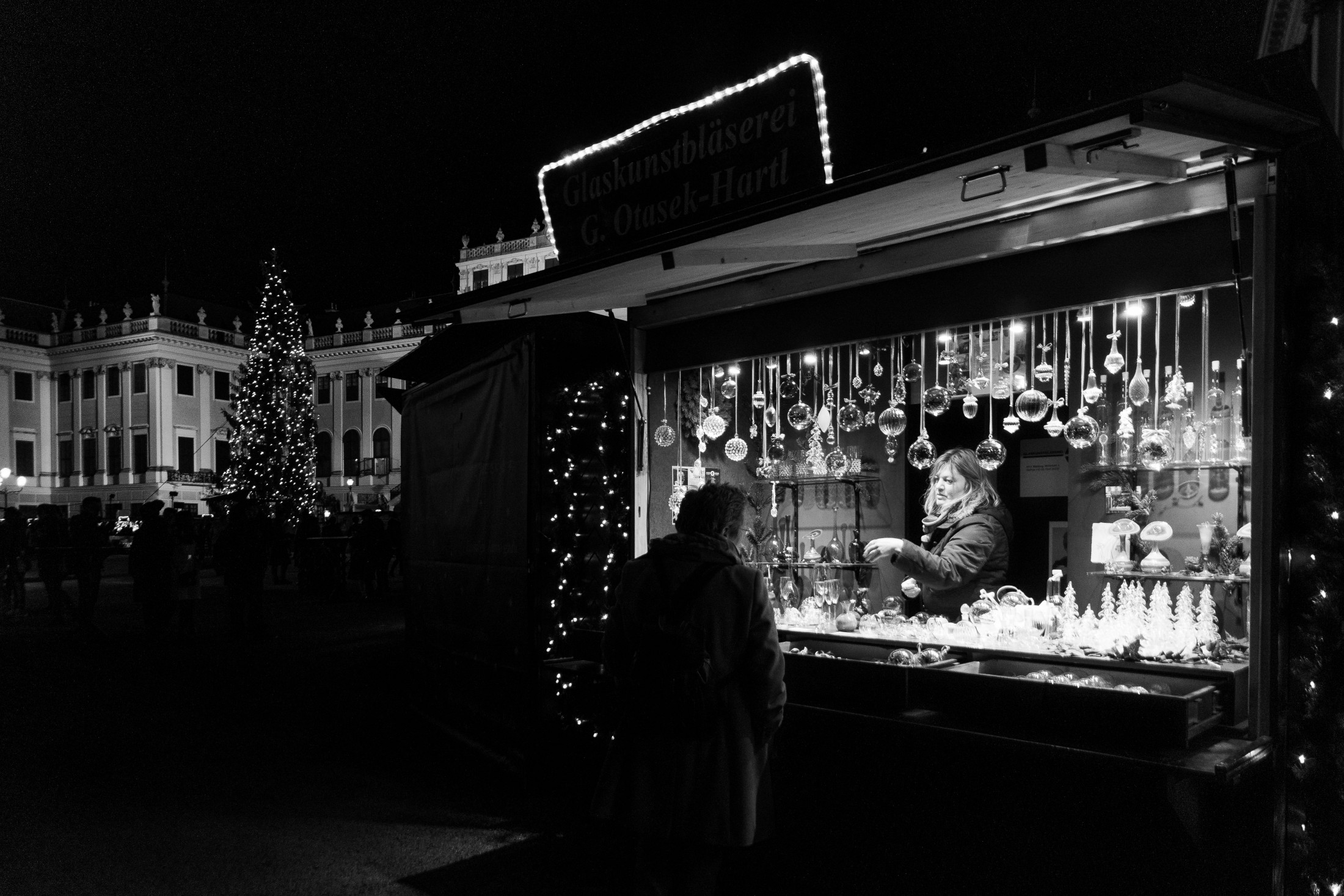 Schönbrunn Christmas market booth