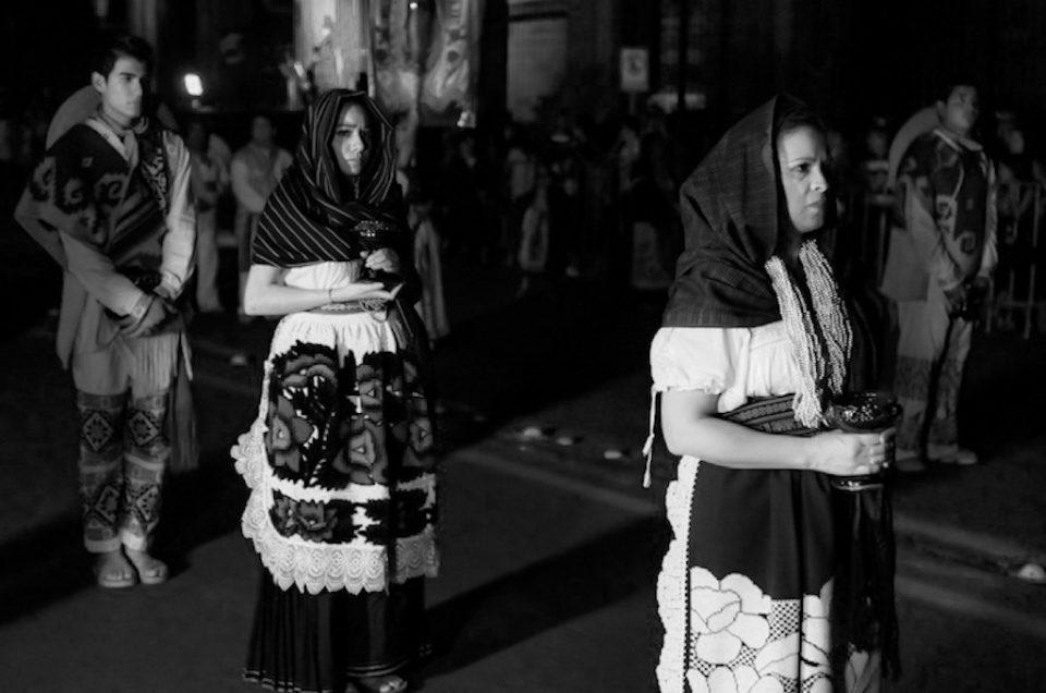 Devotion in Mexican procession
