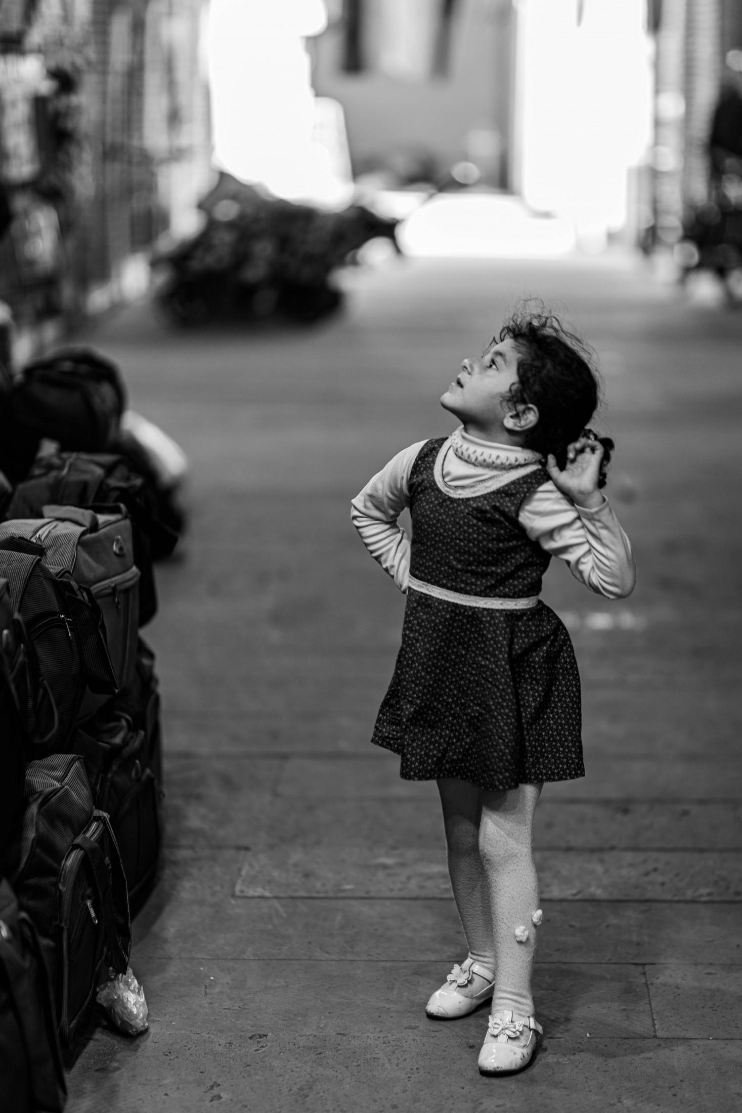 Life angles - Child in Ardabil bazar