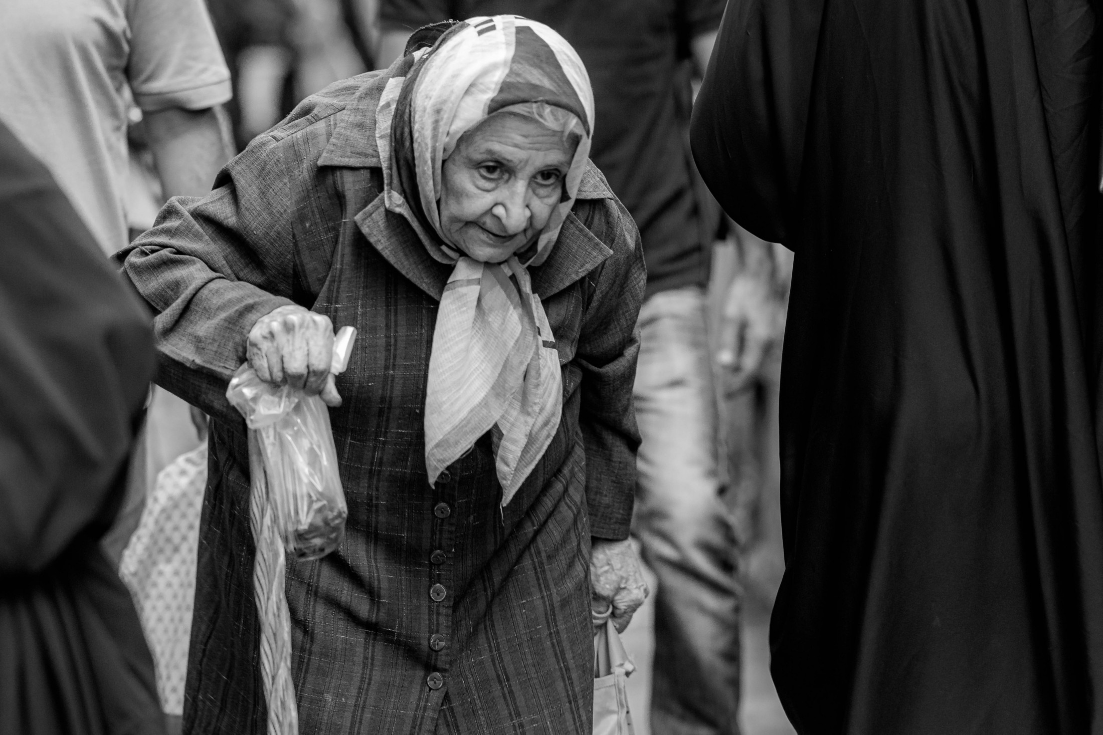 Life angles - Old lady in the bazar