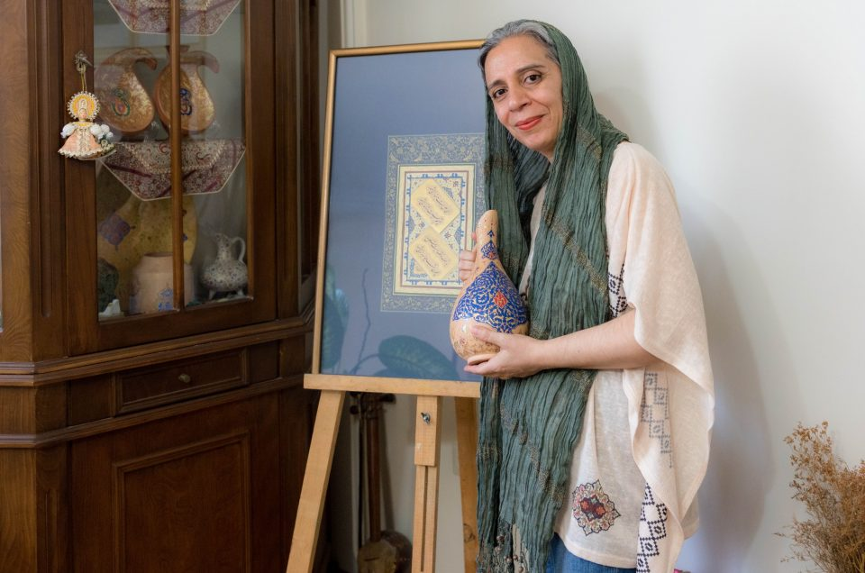 Tazhib artist Khadijeh Masoumi